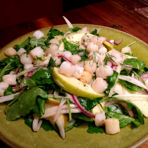 Bay Scallops with Fennel Arugula and Red Onion